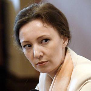 Rysslands respektive Finlands barnombudsman,  Anna Kuznetsova och Tuomas Kurttila