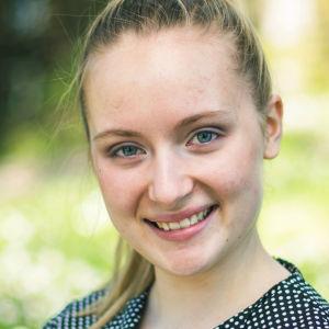 Porträttbild på Vilma Eklöv.