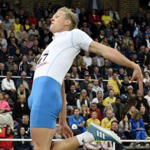 Kristian Pulli hoppar längd, Sverigekampen 2017.