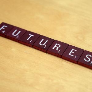 Futures-sana kirjainlevyillä kirjoitettuna