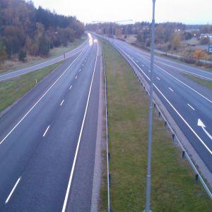 Vy över motorvägen i Kyrkslätt.