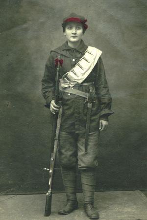 Kvinnlig rödgardist 1918