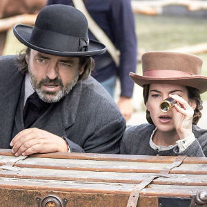 Allan Pinkerton (Angus Macfadyen), Kate Warne (Martha MacIsaac) ja William Pinkerton (Jacob Blair)