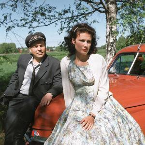Pekka Valkeejärvi ja Minttu Mustakallio tv-draamassa Pesärikko (2000).