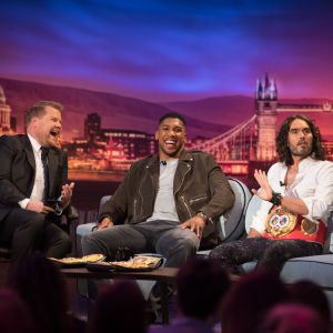 James Corden, Anthony Joshua ja Russell Brand.