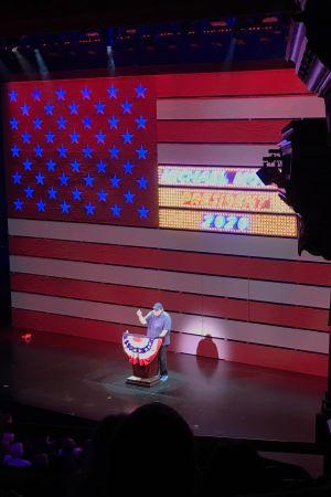 Michael Moore på scen som presidentkandidat