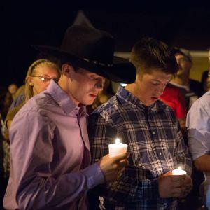 Sörjande efter masskjutningen i kyrkan i Sutherland Springs