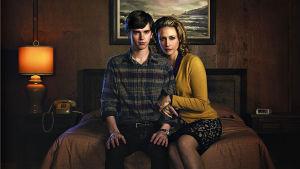 Bates Motel -sarjan Norman ja Norma Bates