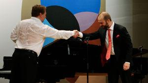 Pianisti Ilmari Räikkönen ja baritoni John Brancy.