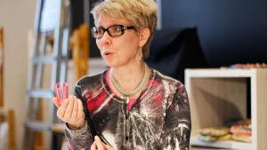 Marjo Vainio oppi tekniikan Riiassa, ja alkoi ideoida sen pohjalta uutta.