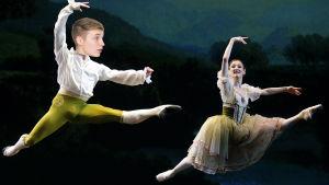 Isac Elliot övervägde att satsa på ballett.