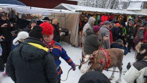 Jokkmokkin talvimarkkinat Pohjois-Ruotsissa