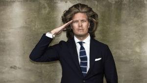 Yle Kioski: Kaarlen maailma -ohjelman vetäjä Kaarle Hurtig