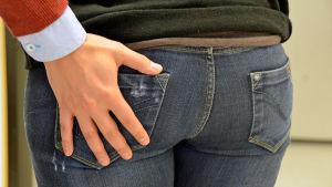 Sexuella trakasserier kan se ut på olika sätt.