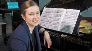 Pianisti Sonja Hendunen.