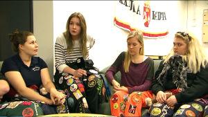 Fyra kvinnliga Novia-studerande  i Ekenäs
