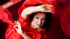 Mezzosopraano Lilli Paasikivi laulaa solistina RSOn konsertissa 14.12.2016.