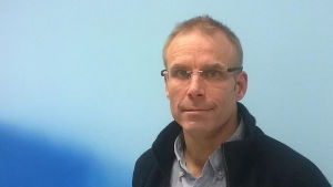 Informatör Max Holm på Rädda barnen