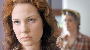 Tahdon asia-sarjan henkilöt Helena (Miia Nuutila) ja Sirkka Rouhiala (Marja Packalén).