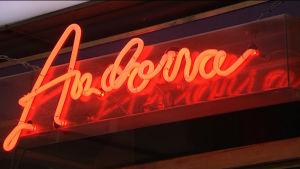 Neonskylt med texten Andorra