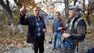 Ivar Heinmaa ja Vesa Toijonen kuvaamassa Ulkolinjaa Jäätynyt sota Slovjanskissa Itä-Ukrainassa 2014.