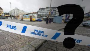 Frågetecken på bild av Åbo torg efter knivattacken.