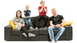 Sohvaperunat-sarjan neljäs tuotantokausi: Laura, Aamos, Akseli ja Ville, Turku.