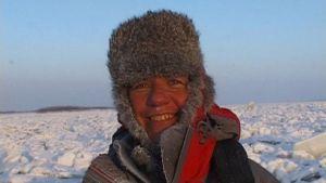 Dominick Arduin valmistautuu kohtalokkaalle jäätikköhiihdolle, Ajankohtainen kakkonen (2004)