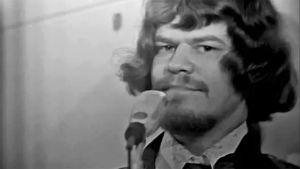 M. A. Numminen esiintyy (1973).