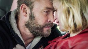 Torpedot-sarjan hahmot Sonny (Torkel Petersson) ja Camilla (Liv Mjönes).