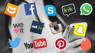 sociala mediebolags logor med smarttelefonanvändande flicka i backgrunden