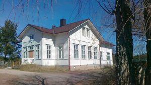 Hyppeis gamla skola är till salu.