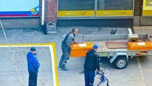 Två postlådor avlägsnades från Vasa centrum på fredagen. Christian Nylund tog bilden.