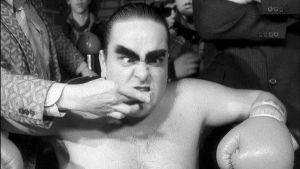 Sakari Kuosmanen musiikkivideossa Rocky VI