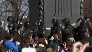 Korruption vastainen mielenosoitus Moskovassa - oppositiojohtaja Navalnyi pidätetty