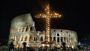 Via Crucis – Pitkäperjantain ristisaatto Roomassa