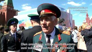 Uutisvideot: Moskovassa marssittiin perinteiseen tahtiin