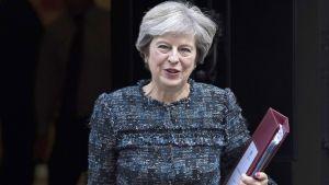 Theresa May pitää odotetun brexit-puheensa Firenzessä