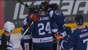 Urheilujuttuja: Sakari Mattila tasoitti Kanadaa vastaan 1-1:een
