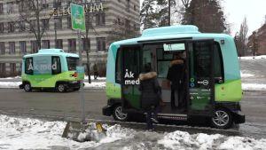 Uutisvideot: Kuskittomat bussit liikenteeseen Tukholmassa
