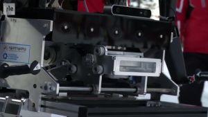 Urheilujuttuja: Robottien pujottelukisa Koreassa