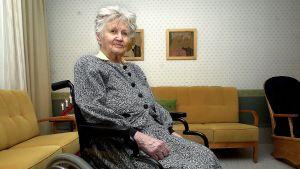 Meeri Lindström Kouvolan naiskaartista.