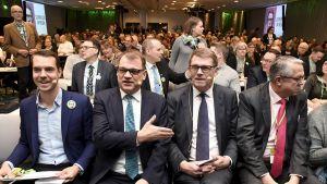 Jouni Ovaska, Juha Sipilä, Matti Vanhanen ja Juha Rehula keskustan puheenjohtajapäivillä Helsingissä.