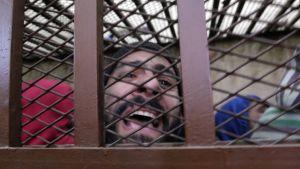 Homoseksuaalisesta toiminnasta syytetyt miehet kairolaisessa oikeudessa