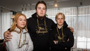Urheiluliiton lahjakkuusryhmän Julia Valtanen, Arttu Korkeasalo ja Topias Laine.