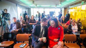 Anne-Mari Virolainen Petteri Orpon puheenjohtajakampanjan avajaisissa 16. toukokuuta 2016.