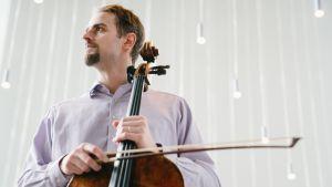 Tuomas Ylinen on Helsingin kaupunginorkesterin soolosellisti.