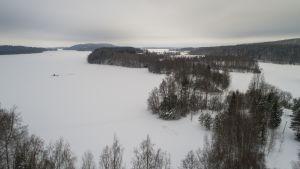 Savilahti ja Savisaari Kallavedellä.