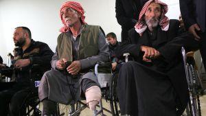 Sodassa vammautuneita uhreja ja siviilejä kuntoutuskeskuksessa.