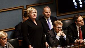 Annika Saarikko eduskunnan kyselytunnilla 15. helmikuuta
